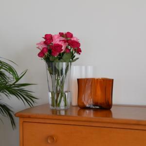 アアルトベース◇飾りやすいサイズのフラワーベース バラのブーケを飾りました【iittala  Alvar Aalto vase 220mm】