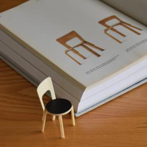 artek◇本の中から抜け出したようなアルヴァ・アアルトのミニチュア家具と理想のインテリア