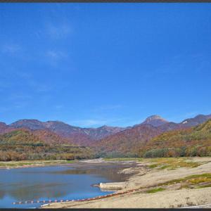乙見湖からの紅葉