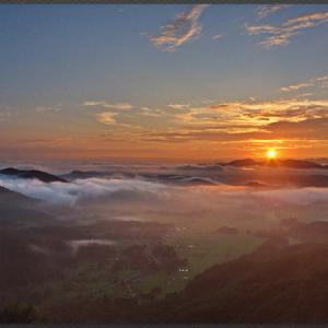 小村峠からの朝景色