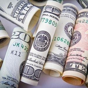 貯金はいらくらあったらいい?おすすめの目安貯金額
