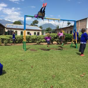 男子生徒が学校を追い出された理由は?~ルワンダの物乞い・ストリートチルドレンの現状~