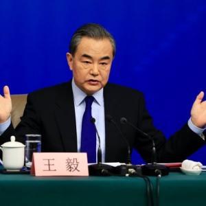 「何すれば中国は経済発展できるだろう」