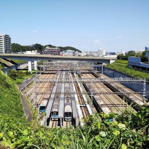 【東京】唐木田駅で小田急線の『車両基地』が見えるスポットを紹介!