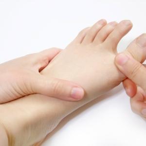 サカママのゆっくり優しい足ケアが痛みに効く