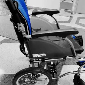 車椅子のおニュー来た