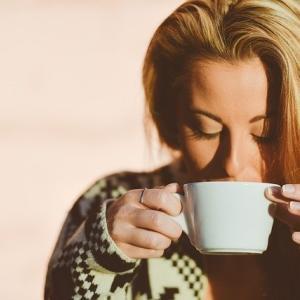 【寒い日はプロテインをホットで飲もう!】作り方と注意点を解説