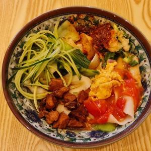 なぜか話題のビャンビャン麺@西安名吃