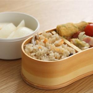 鮭とごぼうの炊き込みご飯弁当