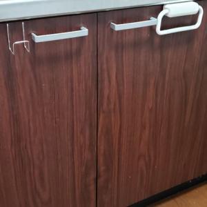 キッチンDIYの罠!貼って剥がせるシートは数年後に剥がれない!