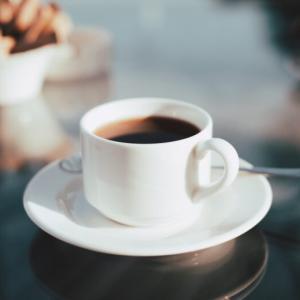 コーヒーで酔う?そう言われる原因と吐き気とめまいの対処方法を解説