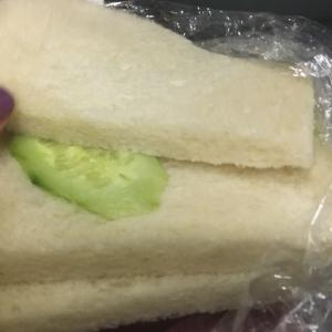 今話題のサンドイッチ詐欺