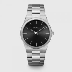 滝沢カレン着用腕時計 雑誌「Oggi 2021年5月号」
