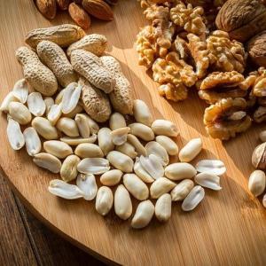 Amazonで買えるミックスナッツおすすめ5選!ナッツの健康効果も解説