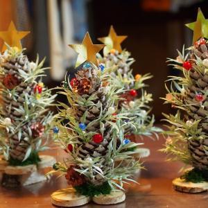 おおきな松ぼっくりでクリスマスツリーを作る 雑木の有効利用【その5】