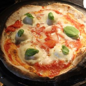 【自家製ピザ】イタリアのピザ用小麦粉で、一段とおいしいピザを‼