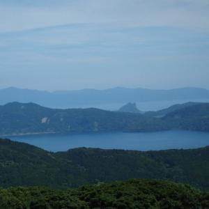 【池田湖】は指宿市にあるイッシーで有名な九州で一番大きな湖です