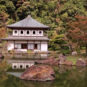 【岩屋公園】は万之瀬川を利用したプールがあるキャンプ場です!