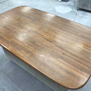 ダイニングテーブルの塗り直し(前編)