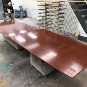 鏡面塗装・会議テーブルの塗り直し(前編)
