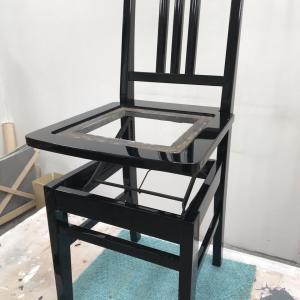 思い出のピアノ椅子の塗り直し