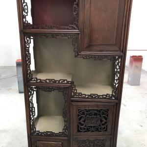 【中国アンティーク家具】飾り棚の塗り直し