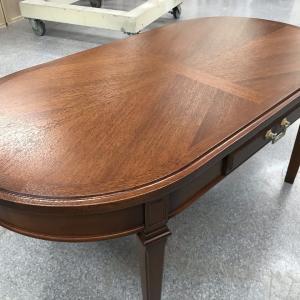 楕円ローテーブルの塗り直し