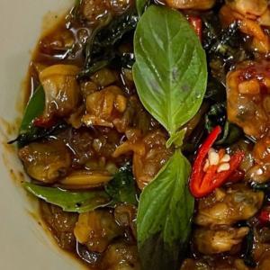 ホイラーイパットプリックパオ(Hoilai Pad Prik Pao)のレシピ・タイ料理を作ってみた!