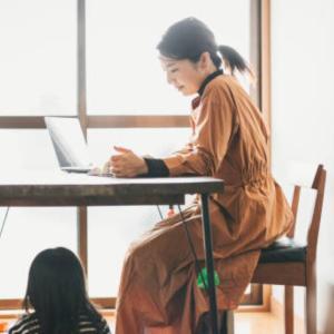 主婦のチャットレディ在宅ワークで稼ぐコツ!お昼間の時間帯に効率よく稼ぐごう!