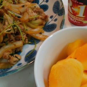 野菜炒めと柿