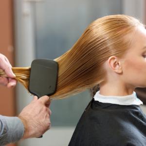 【簡単!3分で分かる】髪のダメージの原因と対策