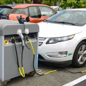 欧州で「ガソリン発電EV充電器」が流行ってしまうwww