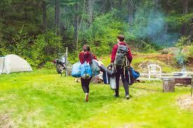 キャンプの服装は基本的に普段着でOK【寒さも考え準備しよう】