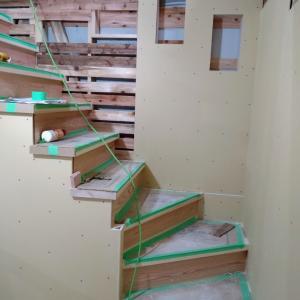 階段とニッチ。