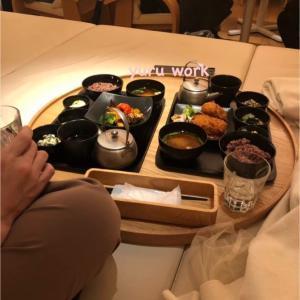 美味しい定食は、おしゃれなおチャノマで♡ ←
