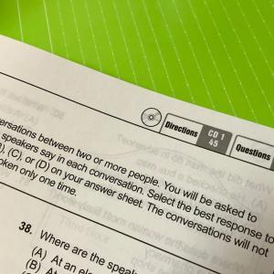 【TOEIC対策】Part3,4先読みのコツは「訳さない・覚えない」