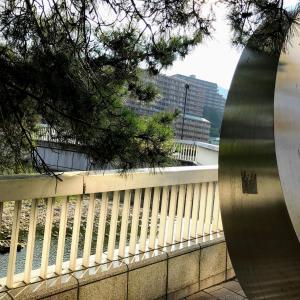 【枠どられた風景】からの景色を覗いてみたら・・・(宝来橋・武庫川)