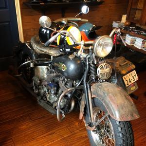 おしゃれなヘルメット屋さん TT&COへ