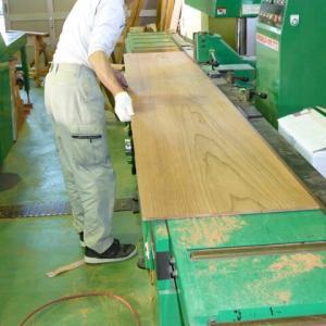イナゴ天井の板を加工