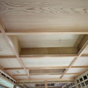 和室10畳の格天井