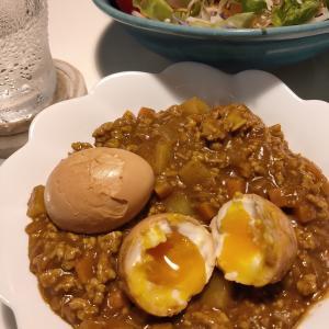 【今週の燻製】手作りドライカレー『半熟燻製卵のせ』