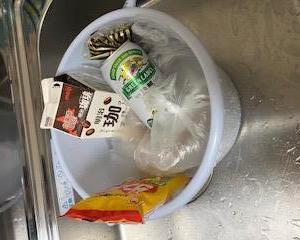 我が家の冷蔵庫(/ _ ; )
