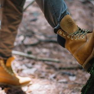靴 メンズ 人気ブランドどうしのコラボブーツが実現