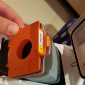 【マキタ】CL107FD 紙パック式コードレス掃除機は手軽で実用的