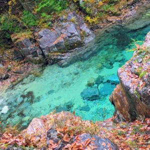 阿寺ブルーと称されるエメラルドの清流『阿寺渓谷』(大桑村)