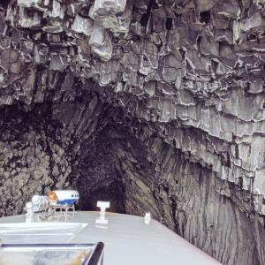 イカに乗ってInto The Cave!『七ツ釜遊覧船イカ丸』(唐津市)