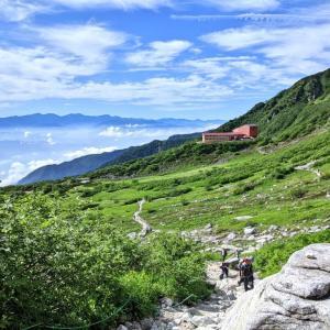 千畳敷カールのその先へ!約2時間で行ける標高2,956mの世界『木曽駒ヶ岳』(駒ケ根市~宮田村)