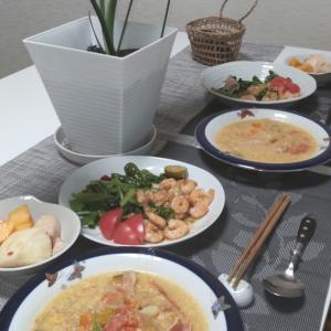 夕食は、真似っ子&簡単エビ料理