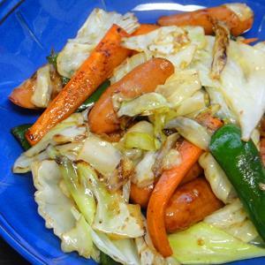 【簡単レシピ】残り物の野菜とウインナーを使った野菜炒め