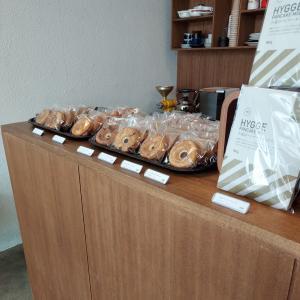 HYGGE(ヒュッゲ)の焼きドーナツは優しい味わい【宜野湾市】
